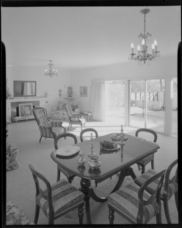 Image: Dining room and lounge of the Day house