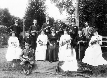 Image: Group portrait of the Kaponga Orchestral Society