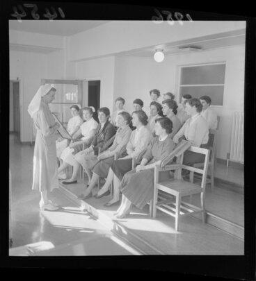 Image: Student nurses listen to a head nurse at Wellington hospital