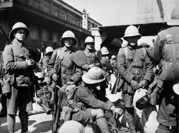 Image: Soldiers of the Pioneer Battalion awaiting departure during World War I, probably in Wellington