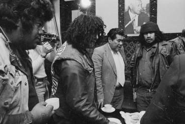 Image: Summit meeting of gang leaders