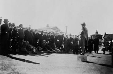 Image: Nell Burton addressing a Sunday afternoon meeting, Basin Reserve, Wellington