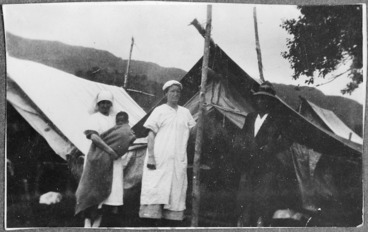 Image: Typhoid camp, Maungapohatu, with Sister Annie Henry centre