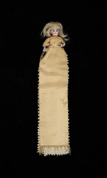 Image: [Mansfield, Katherine] 1888-1923 :[Hussif doll. ca 1901 or 1902].
