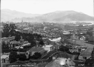 Image: Part 2 of a 3 part panorama of Dunedin