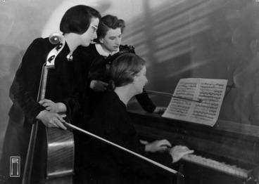 Image: Marie Vandewart, Erika Schorss and Dorothy Davies