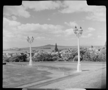 Image: Lamps outside the Auckland War Memorial Museum, looking towards Rangitoto Island