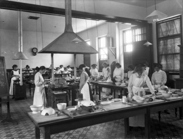 Image: Cooking class at the Christchurch Technical College