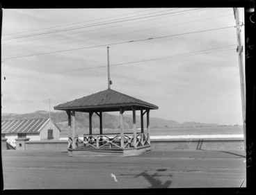 Image: Wooden rotunda at Lyall Bay, Wellington