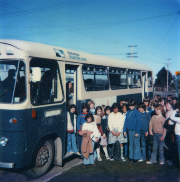 Image: Brown Owl School 1978; after fire; children taking buses to Oxford Crescent School.