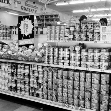 Image: Woolworths display; tinned fruit. [P1-6389-8779]
