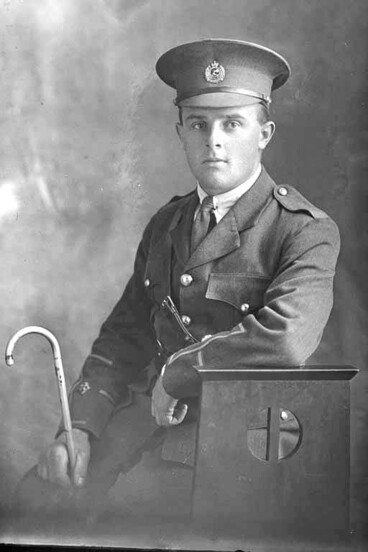 Image: 3/4 portrait of Lieutenant Gainor Jackson of the 3rd (Auckland) Regiment, Auckland Infantry Regiment.