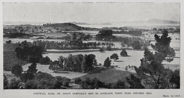 Image: Cornwall Park, Dr Logan Campbell's gift to Auckland, taken from One-Tree Hill.