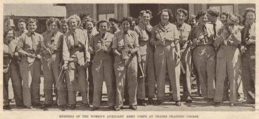 Image: MEMBERS OF THE WOMEN'S AUXILIARY ARMY CORPS AT TRADES TRAINING COURSE
