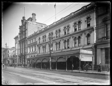 Image: Old Auckland: Queen Street, Milne and Choyce, and the Herald Office