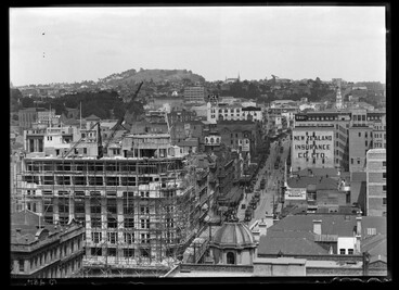 Image: Looking south from the Ferry Building showing Queen Street....