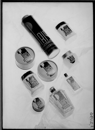 Image: Showing a range of Iris cosmetics, for Sargood Son and Ewen 1940