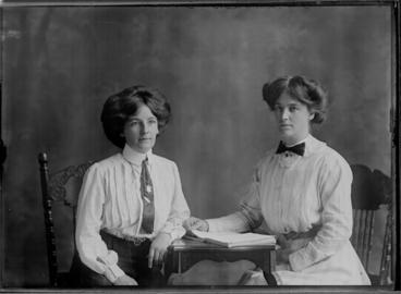 Image: Moylan group 1911
