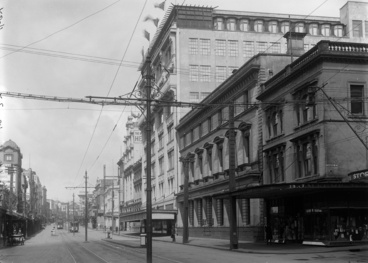 Image: Looking south along west side of Queen Street from Swanson Street to Victoria Street...1927