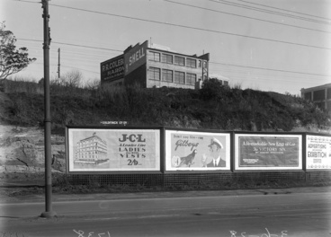 Image: Beach Road with advertising billboards...1928