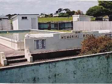 Image: Manutahi war memorial