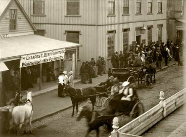 Image: Voting in New Plymouth, 1893