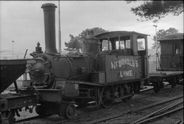 Image: Photograph of lime works locomotive