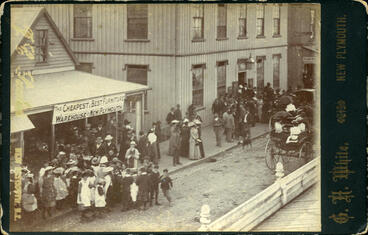 Image: Election day, New Plymouth, 1893