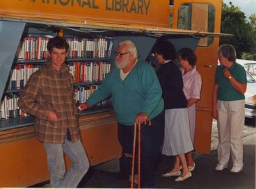 Image: Dylan Owen and others with National Library van outside Shannon Library, 1988