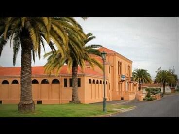 Image: Luxury spa at Rotorua - Roadside Stories