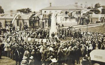 Image: Unveiling of War Memorial