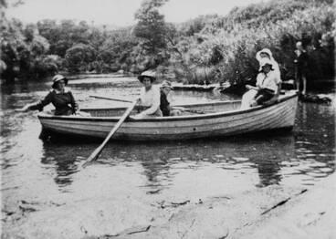 Image: Boating party on Lucas Creek, Albany.