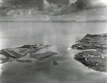 Image: Aerial view of Mangere, 1950.