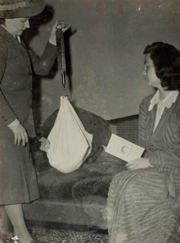 Image: The Plunket nurse calls, Auckland, 1947.
