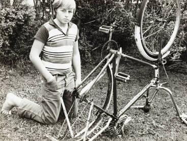 Image: Stolen wheel, Papatoetoe, 1971.