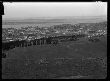 Image: Looking south from One Tree Hill, 1920