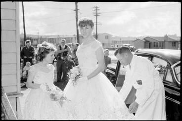 Image: Wedding at the Point England Presbyterian Church, 1960