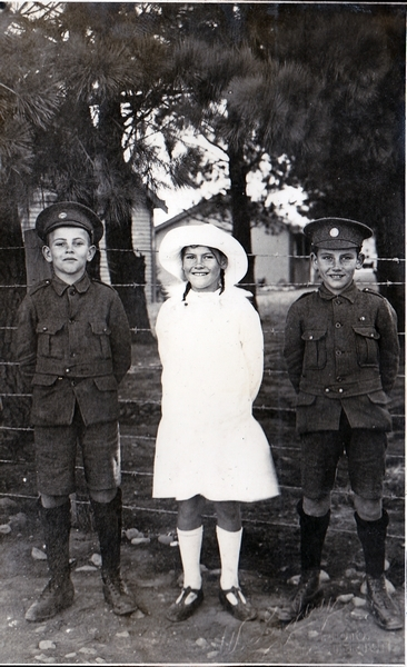 Image: Whitehead children at Featherston Military Camp: Photograph