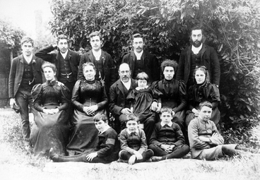 Image: Photograph: Haigh family
