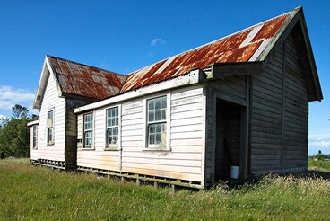 Image: Old school, Bay of Plenty, New Zealand