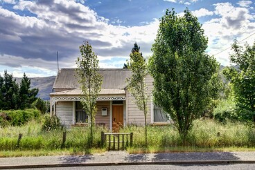 Image: Old house, Middlemarch, Otago, New Zealand