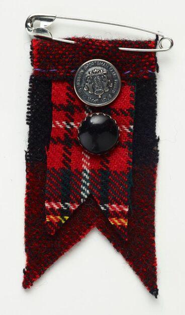 Image: 'Hero Medal' brooch