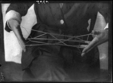 Image: String Game - Ethnological Expedition