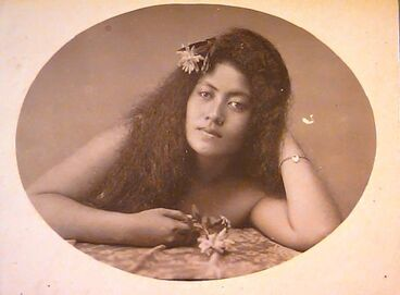 Image: Long-haired woman