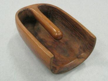 Image: Canoe bailer