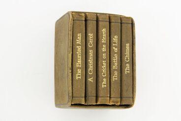 Image: Miniature books