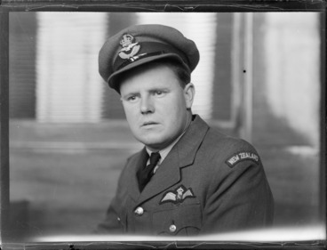 Image: Portrait of Squadron Leader GA 'Bill' Delves