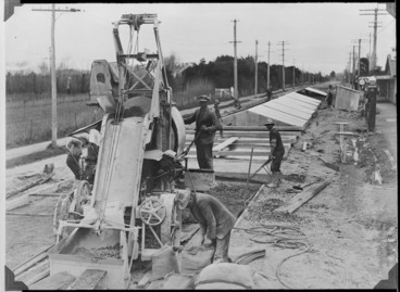 Image: Laying concrete on the Christchurch to Timaru highway