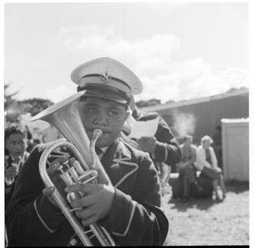 Image: Opunake Racecourse - Ratana bands