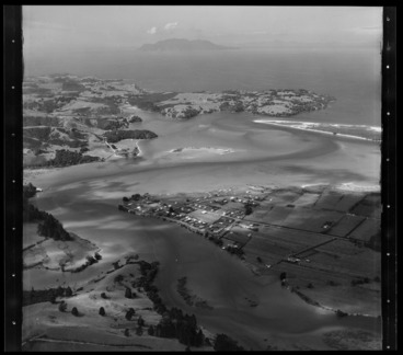 Image: Whangateau Harbour, Little Omaha Bay, Horseshoe Island, and Whangateau, Rodney District, Auckland Region